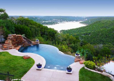 Austin-negative-edge-pool-builder