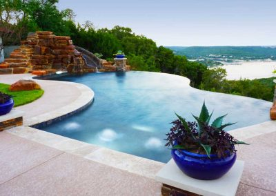 Austin-negative-edge-pool-builders