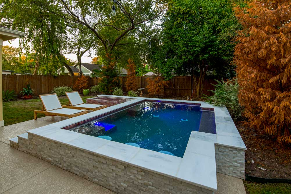 Why You Should Replace Your Austin TX Swimming Pool Rather Than Fill It