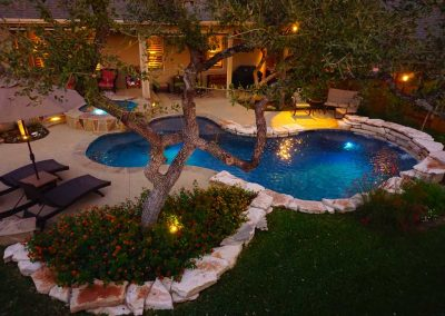 Round-Rock-Swimming-Pool-Spa-Waterfall-Covered-Patio