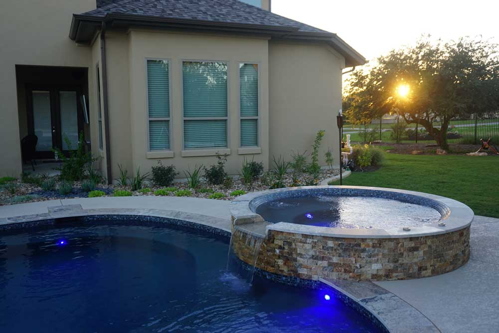 Renovate your Austin TX Swimming Pool with a Spa!